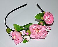 Ободок для волос с розовыми цветами